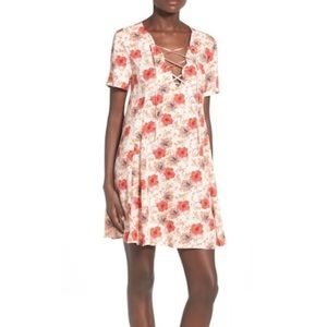 ASTR the Label floral Lace Up Shift Dress